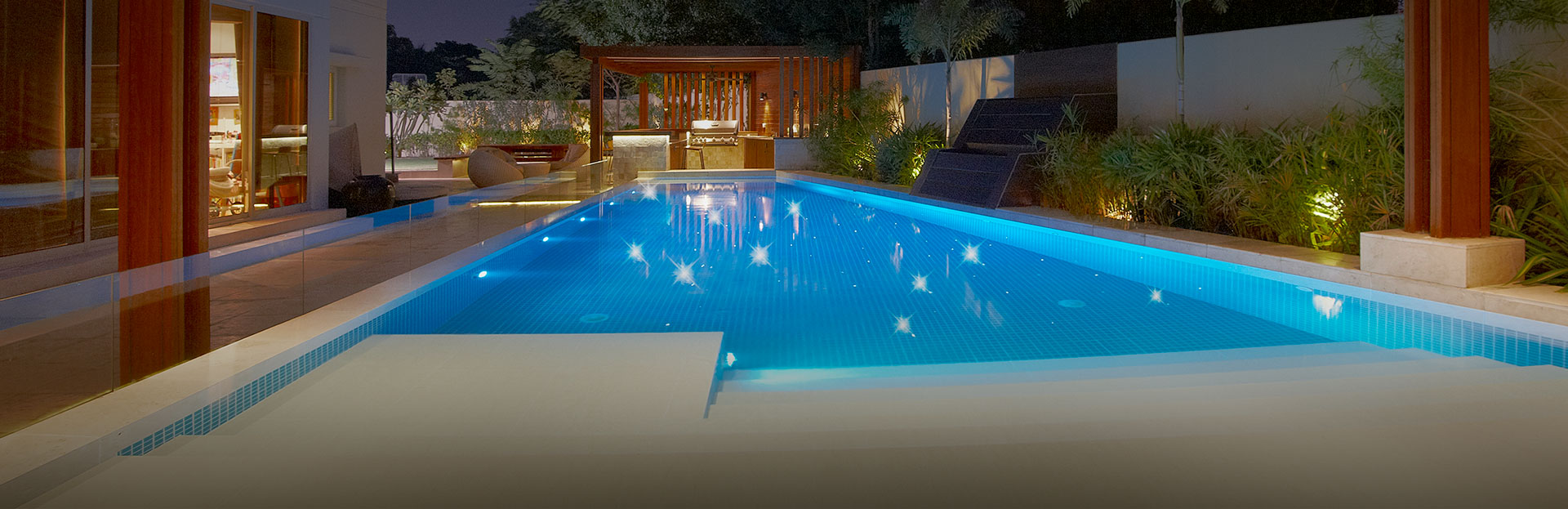 Infinity pool design infinity pool design company dubai for Pool design dubai