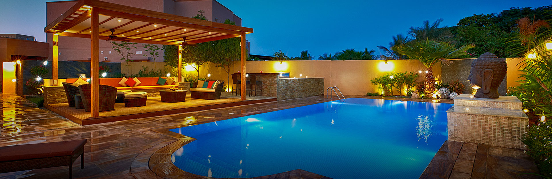 Swimming pool designer swimming pool contractor in dubai for Pool design dubai